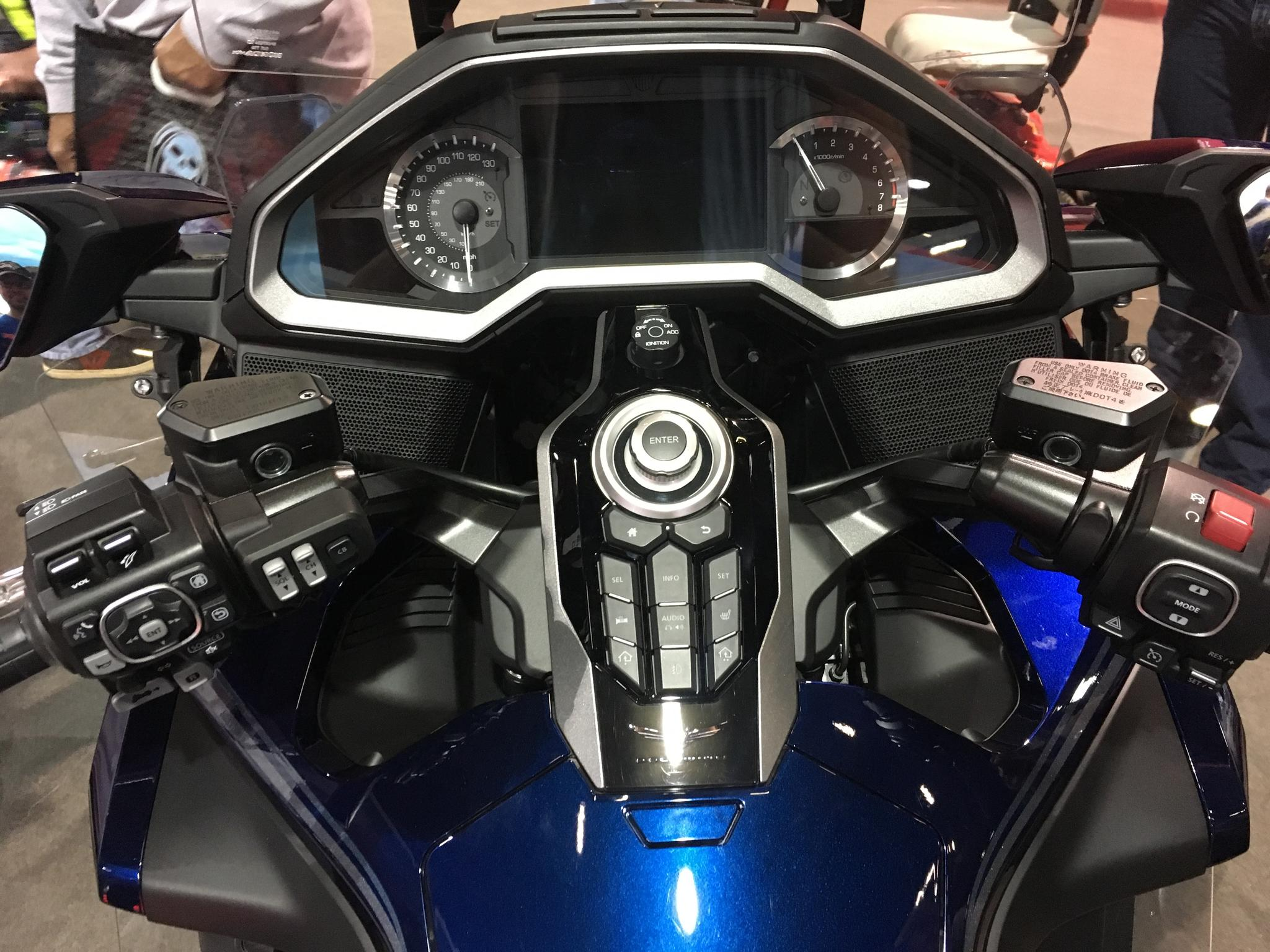 Ram mount for left handlebar with DCT and CB? - TheGLForum